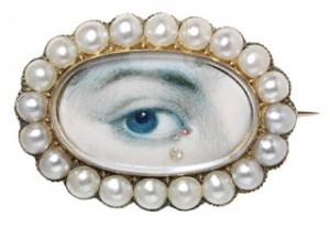 Lover's Eye Locket Photo Credit: Paris Atelier (Blog)