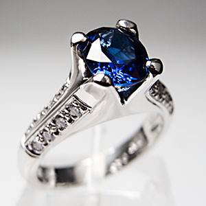Blue Sapphire Engagement Ring. Mounting by Bergio.