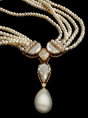 sotheby's jewellery | Conch Pearl Earrings Sotheby's | JEWELRY ...