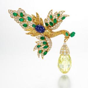 "The ""Walska Briolette Diamond"" Brooch by Van Cleef & Arpels. Photo © Sotheby's."