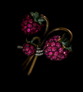 JAR Raspberry Brooch 2011 Rubies, diamonds, bronze, silver, gold, and platinum Collection of Sien M. Chew Photograph by Jozsef Tari. Courtesy of JAR, Paris.