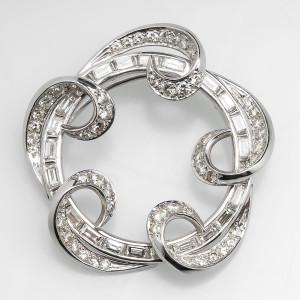 3.5 Carat Diamond Brooch in Platinum