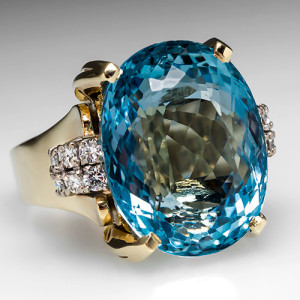 Capture the Essence! of Lucille Ball with this 27-carat aquamarine ring. Photo ©2014 EraGem Jewelry.