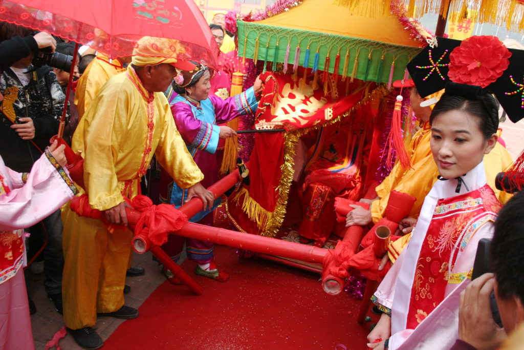 Chinese Engagement Festivities Include the Bride's Journey