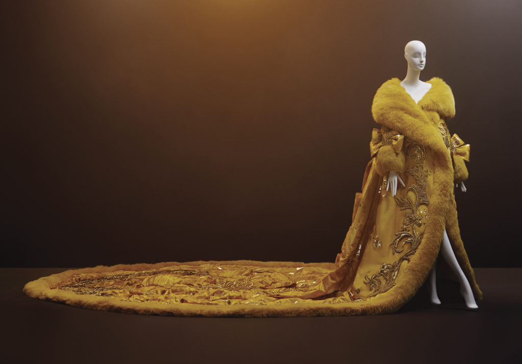 Guo Pei, One Thousand and Two Nights, 2010